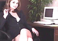 Brunette secretary masturbating - NO SOUND