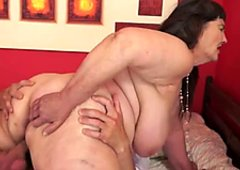 Kinky and mature whore gets fucked in sideways position