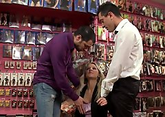 Stealing eurobabe doublepenetrated in store
