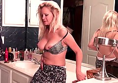 American milfs Lilli and Amanda need orgasmic pleasure