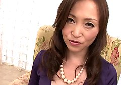 Elegant Japanese mommy Miyama Ranko plays with her cooch on cam
