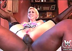 Giant black cock finally satisfies hungry asshole of voluptuous MILF