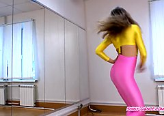 Shiny Pink Leggings Yellow Top