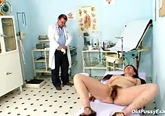 Brunette mom Karin gets her hairy pussy pounded by kinky doctor
