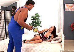 Beautiful white chick got fucked in her pussy by a delivery guy