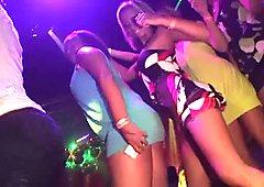 Hotties dancing at the nightclub - DreamGirls