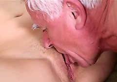 Old dude eats young pussy