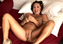 Hot cougar has perverted piercings and a plump soaked twat