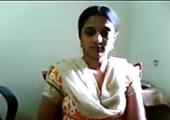 Crazy Amateur video with Indian, Downblouse scenes