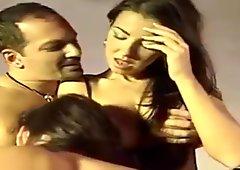Jesica Fiorentino & M. Belucci In 3some
