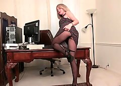 Office milf Eva gives her mature pussy a treat