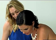 Hot mom Veronica Avluv pleasuring teen babe pussy in bed