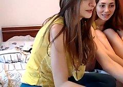 Pretty Lesbi