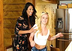Bailey Brooke , Makayla Cox In Curves and Figures