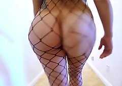 Walking big Booty - Jiggly Butt - Curvy Ass