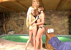 Donna Bell is too hot to handle getting naked with a lesbian