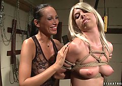 Mandy Bright torture a hot chick with rope