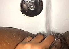 Pussy Bath Time