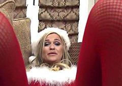 Santa's little helper sucks big dick