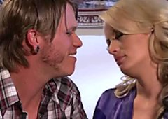Hungry blonde mommy Stormy Daniels gets her muff polished and fucked